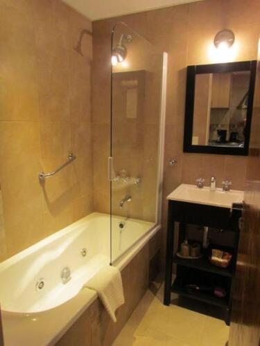 departamento costas del nahuel bariloche baño con bañera