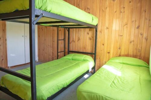 hostel kosh bariloche habitacion 1 cama simple cama cucheta